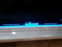 Ốp bậc cửa ngoài kiểu led chạy Mazda 6